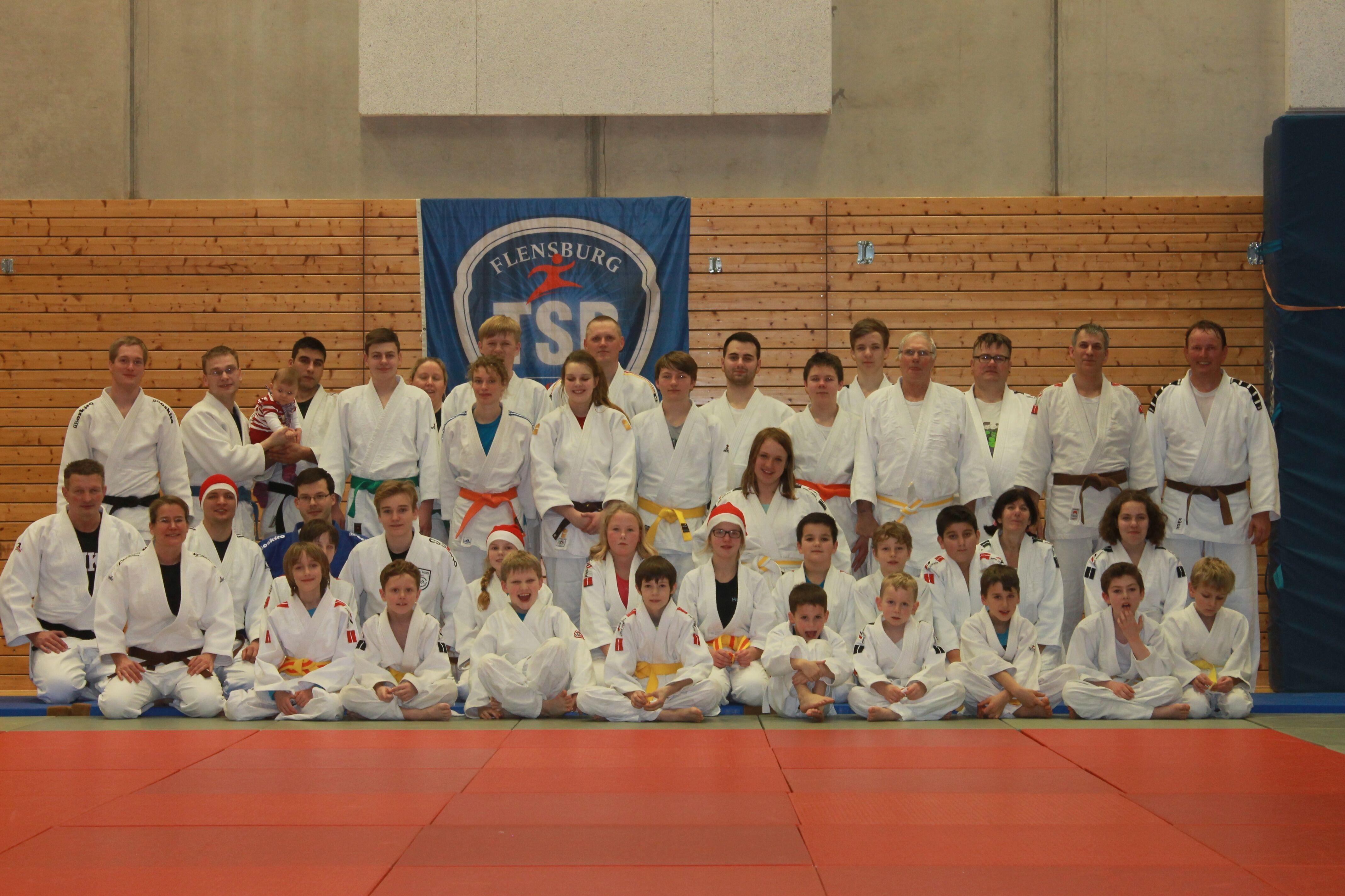 Gruppenfoto der Judo und Jiu-Jitsuka